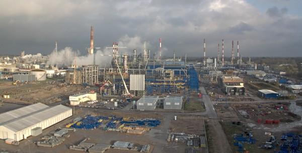 Projekt EFRA – pierwsze kolumny i reaktory na fundamentach