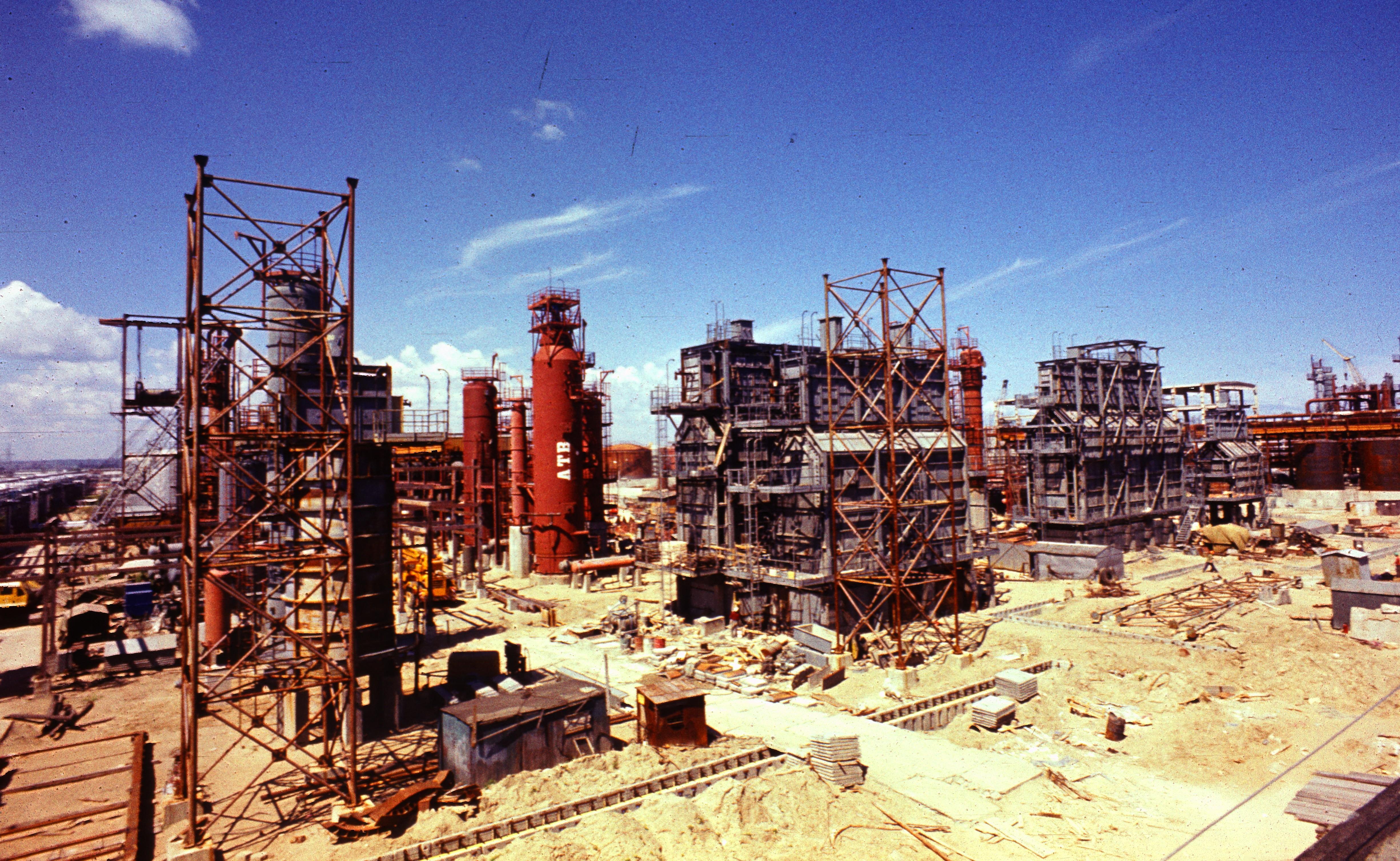 Rafineria Gdańska w budowie - 1975 r.